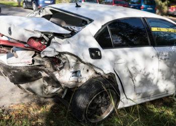 Volkswagen Jetan perään törmättiin kahdesti. Auto lyheni, mutta turvatyynyt eivät lauenneet.