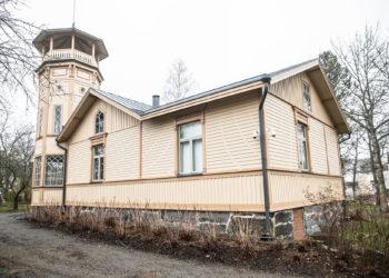 Yksi Vammalan keskustan joulutaloista on tornihuvila. Rovasti Emil Teodor Gestrin rakennutti tornitalon 1890-luvun alussa.
