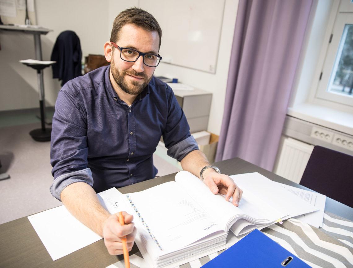 Tekninen johtaja Kimmo Toukoniemi on tyytyväinen siihen, miten Varilan koulun suunnittelu ja urakointi toteutuvat. NCC on osoittautumassa luottamuksen arvoiseksi kumppaniksi.
