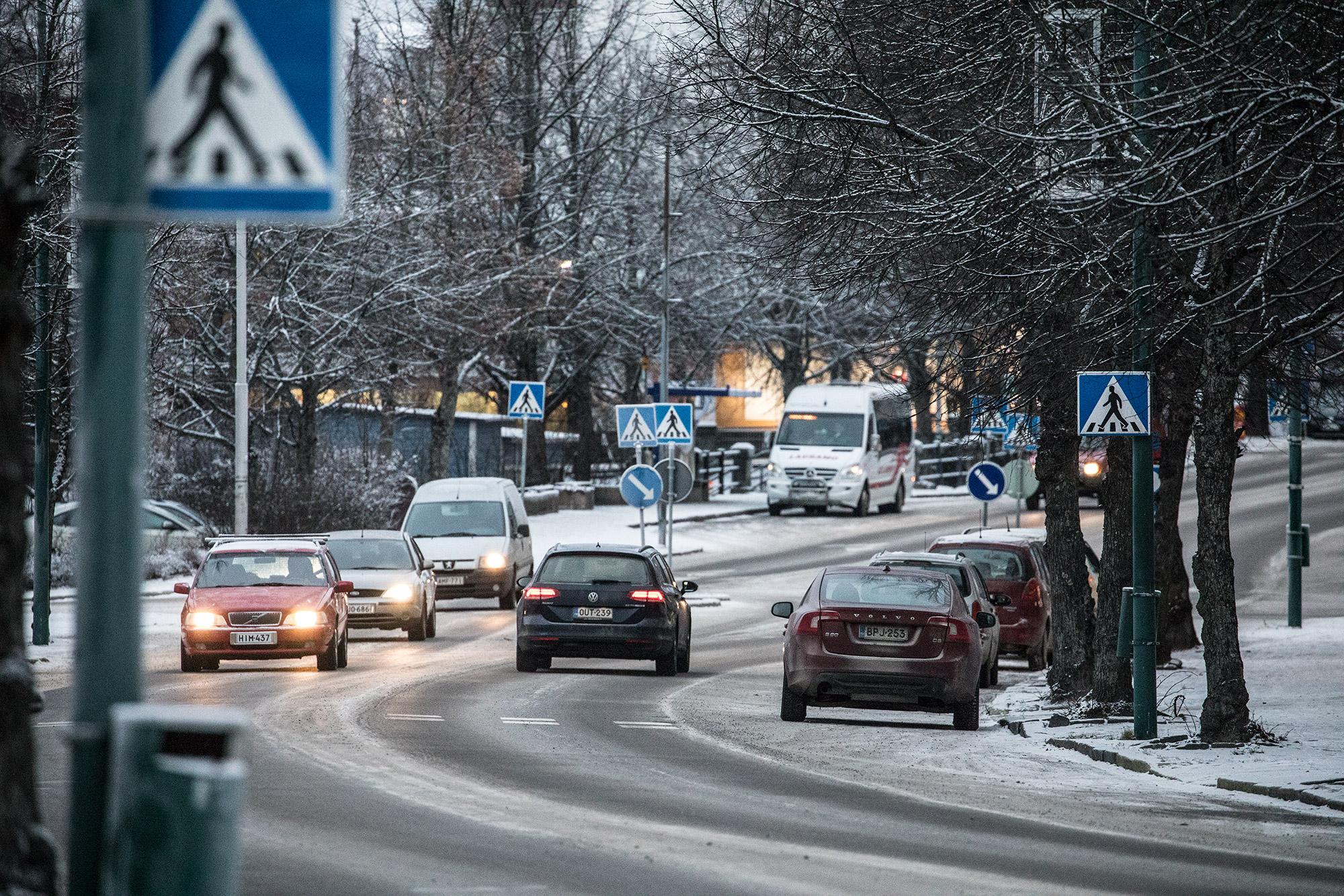 Palveluliikenteen kyyti tilataan ensi maanantaista alkaen Tuomi logistiikan välityskeskuksesta.