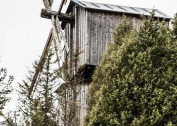 Kotiseutumuseon tuulimylly.