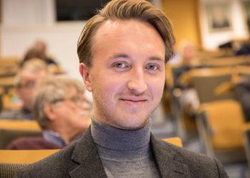 Sosialidemokraattien valtuustoryhmän puheenjohtaja Ilmari Nurminen kertoi ryhmänsä sitoutuneen uimahallihankkeen toteuttamiseeen.