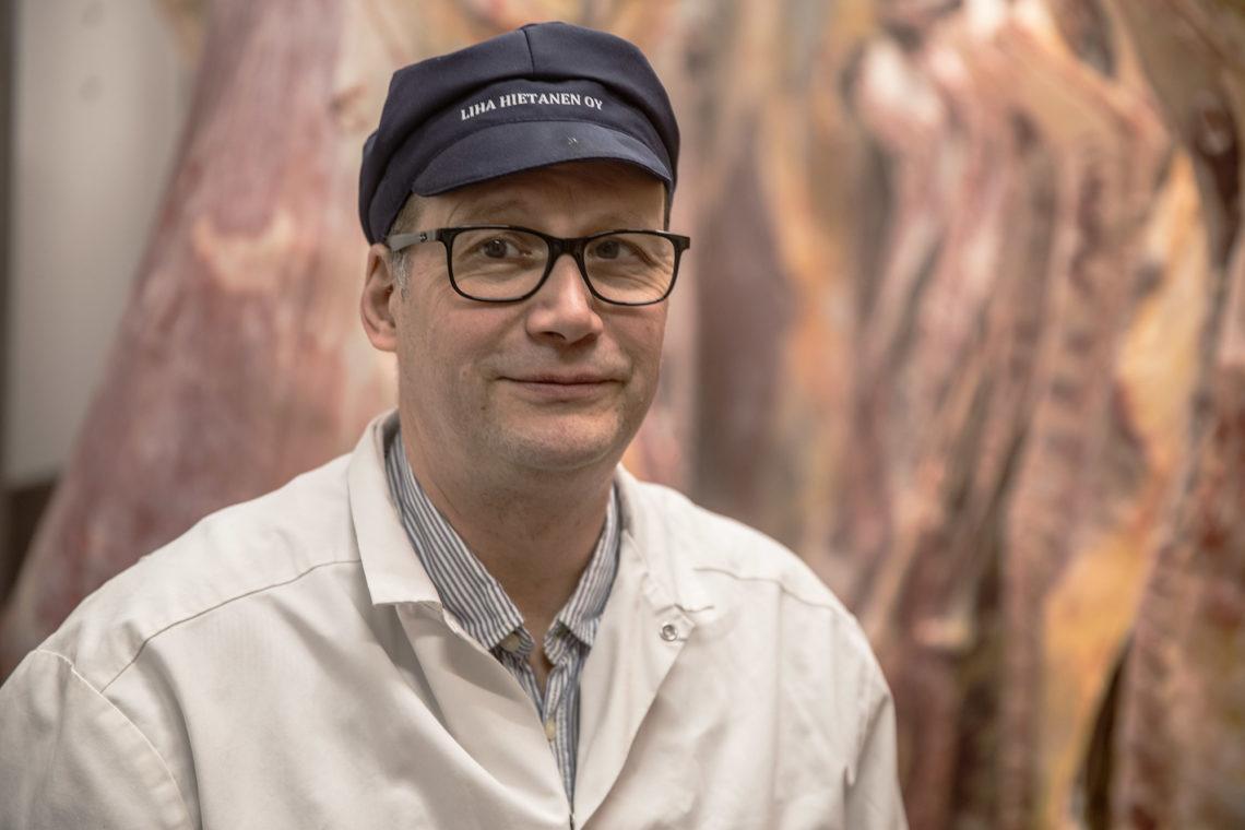 Vammalan vuoden yrittäjä Timo Hietanen jätti HK-Scanin liiketoimintajohtajan tehtävät, kun perheyritys tarvitsi uuden johtajan.