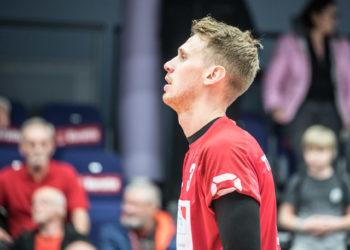 Daniel Jansen Van Doorn yritti pelata selkävaivoistaan huolimatta, mutta iloista miestä ei ollut tunnistaa itsekseen.