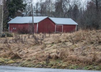 Rakentajat ja rakennuttajat eivät ainakaan heti innostuneet kaksikerroksisen rivitalon rakentamisesta Uotsolan jääkiekkokaukalon viereen.