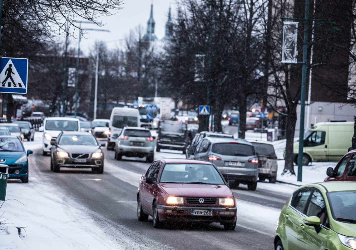 Nykyisin meluhaittoja on ennen muuta Puistokadun varrella Asemakadun, mutta Vammalantien jatkeen valmistuttua uuden vilkasliikenteisen kadun reunamilla asunee aikanaan jopa pari tuhatta ihmistä. Kuva on Puistokadulta.