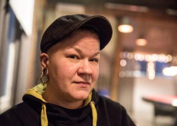 Ravintoloitsija Jenny Rintala sanoo, että kova linja on ainut oikea. Sen ovat vuodet opettaneet.
