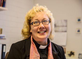 Pastori Anu Lunden.