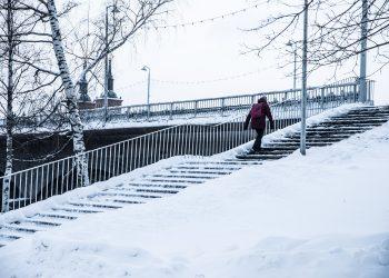 Kaupunginpuutarhurin työnkuva on perin laaja. Hänen huolenaan ovat muun muassa puistojen käytävät ja portaat.