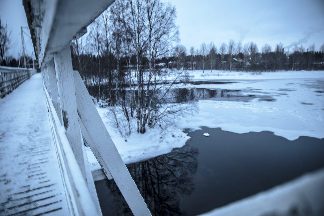 Kaupunki on vuokraamassa 30 vuodeksi riippusillan kiinnitymiskohdat maaperään kuten joen keskellä olevan pienen saaren.