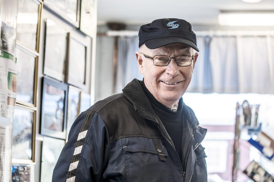 Eelis Järvenpää on huoltoasemayrittäjä kiireestä kantapäähän.