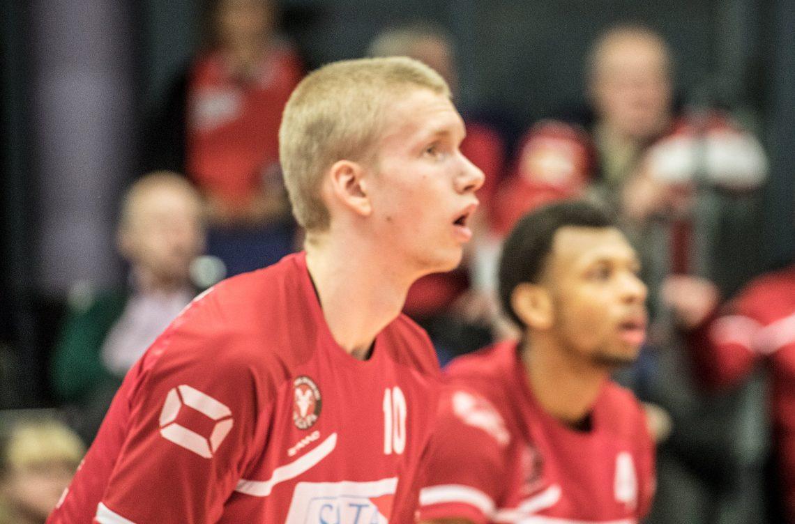 Mikko Karjarinta palkittiin Valepan parhaana.