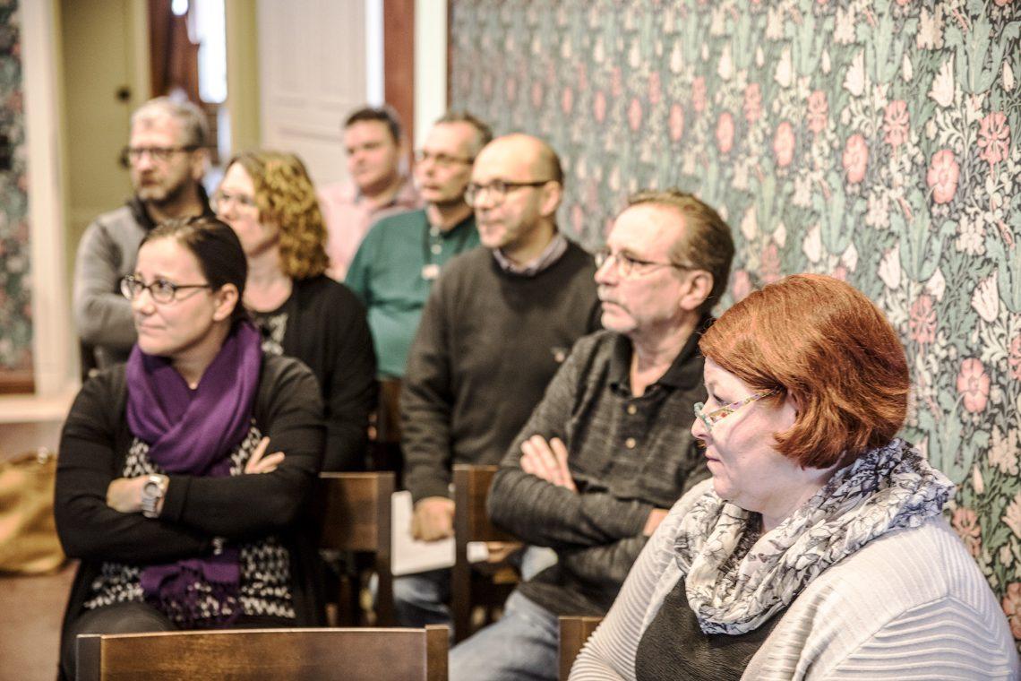 Kaupungin virkamiehet tutustuivat hankintoihin Pukstaavissa järjestetyssä koulutuksessa.