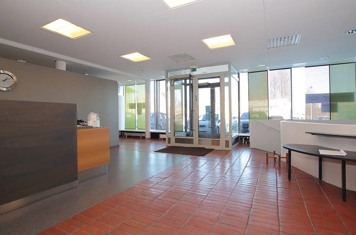 Menet tyhjistä liiketiloista olisivat myös hienoja asuntoja (Kuva Jouni Kalliokoski).