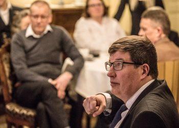 Arto Satonen on vaalikauden mittaan perehtynyt aiempaa enemmän ulko- ja turvallisuuspolitiikkaan.