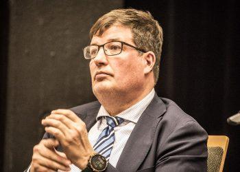 Arto Satonen toteaa, että hoivakotien valvonta on Suomessa jäänyt liian vähälle.