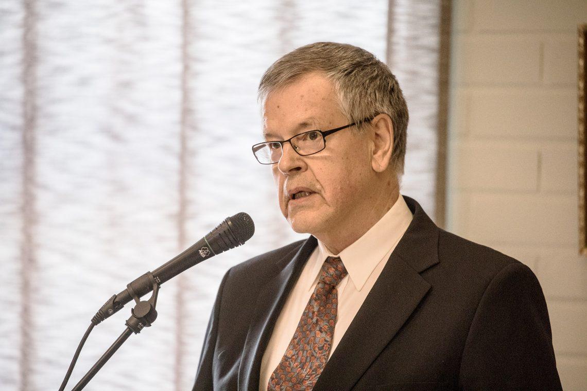 Mouhijärvi-seuran sihteeri Jaakko Lehtinen .