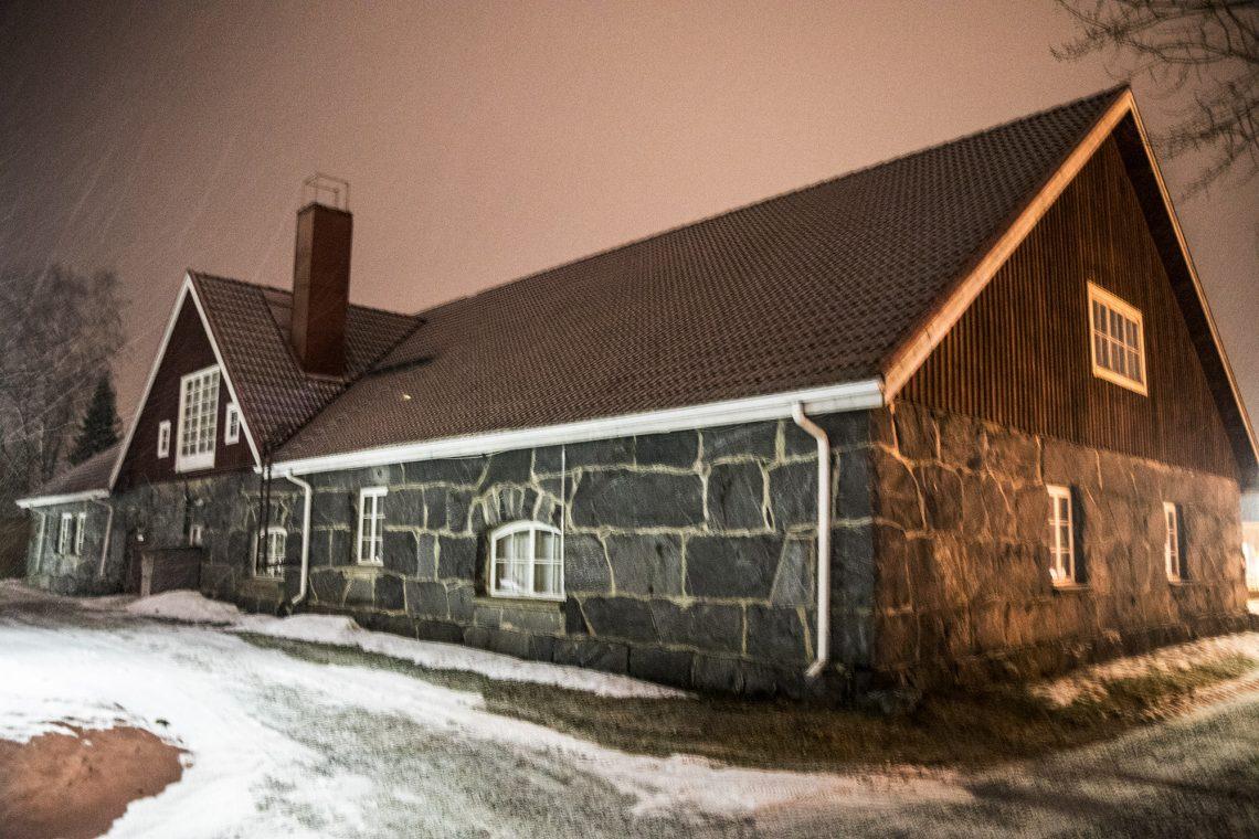 Perussuomalaisten valtuustoryhmä vaatii suojellun kivinavetan palauttamista museoksi ja pitää Tornihuvilaa ja Pukstaavja epäkelpoina.