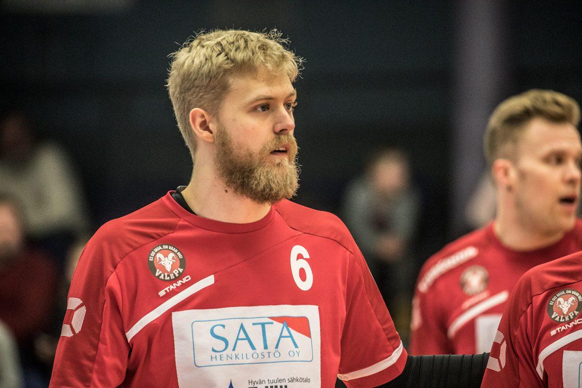 Erik Sundberg käänsi huonosti alkaneen pelin Valepalle ja palautti uskon joukkueen mahdollisuuksiin.