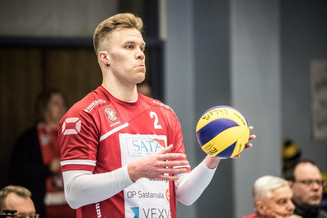 Urpo Sivula tappoi palloja hurjaan tahtiin varsinkin kolmen ensimmäisen erän ajan.