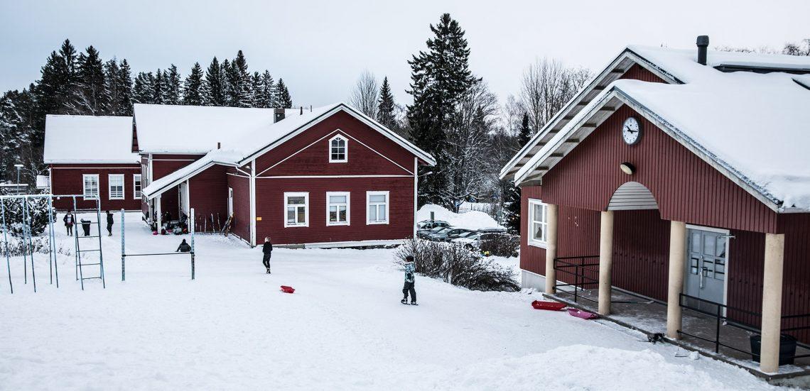 Karkun koulun tontille kaavaillaan myös päiväkotia ja kirjastoa.