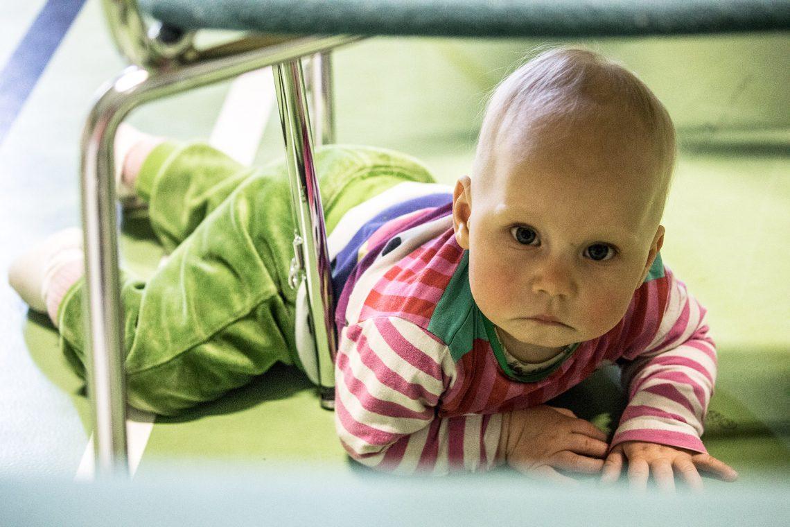 Puolen vuotta sitten kuvattu Lotta on yksi yhä harvinaisemmaksi käyvistä sastamalalaisista vauvoista.
