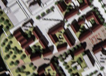 Puistokatu on kuvan oikeassa yläreunassa ja uimahalli vasemmassa alareunassa. Uudet rakennukset sulkevat näköyhteyden Puistokadulta Torikeskukseen.