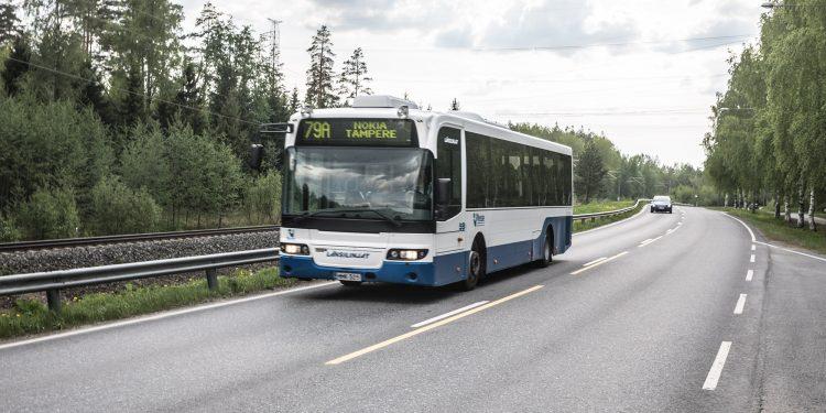 Bussi 79A Tampereen Keskustorilta Siuroon ja takaisin.