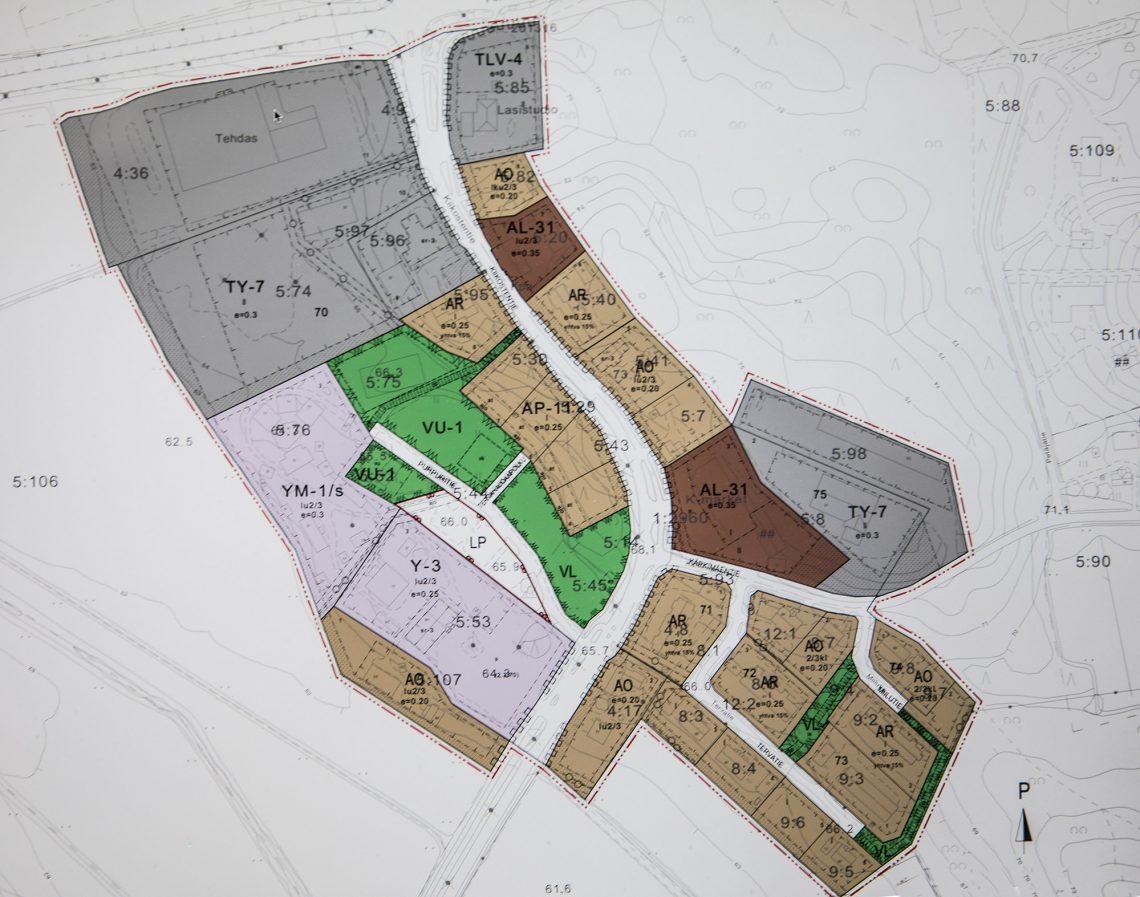 Tervahaudan asemakaava. AP tarkoittaa asuinpientalojen, AR rivitalojen ja kytkettyjen pientalojen, AO erillispientalojen ja AL asuin-liiketalojen korttelialuetta. TY on teollisuus- ja varastorakennusten ja TVL teollisuus-, liike- ja varastorakennusten korttelialuetta. Virkistysalueet ovat vihreitä. Y kertoo yleisten rakennusten ja YM museorakennusten korttelialueesta.