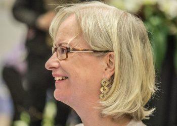 Viime kesänä kuulijoita ihastutti Vanhan kirjallisuuden päivillä puheenvuorollaan muun muassa Sinikka Nopola.
