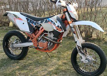Tämä rekisteröimätön motocross-pyörä varastettiin alkukesästä Pirkanmaalla.