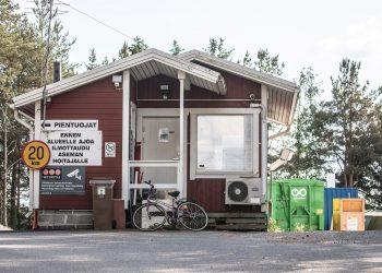 Jätteistä perittävät hinnat laskevat ja muovin kierrätys tehostuu. Kuva Vammalan jäteasemalta.