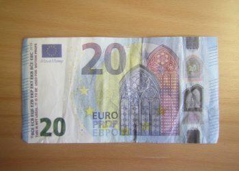 Aihekuva väärästä rahasta.
