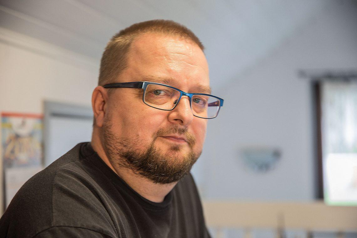 Jukka Jokinen esittelee lastenkirjassaan Rami Rasvanäpin elämän ohella erinomaista teollista muotoilua.