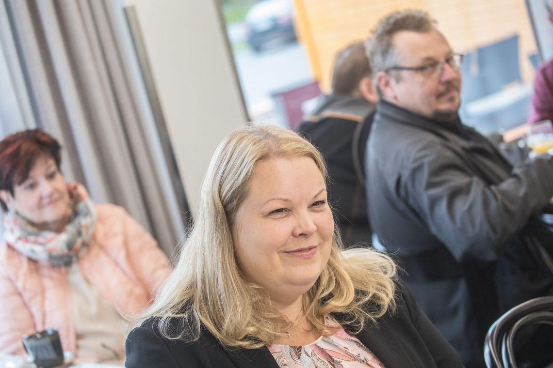 Kirsi Soltin esittäytyi Mouhijärven yrittäjille yrittäjien kuukausikokouksessa.