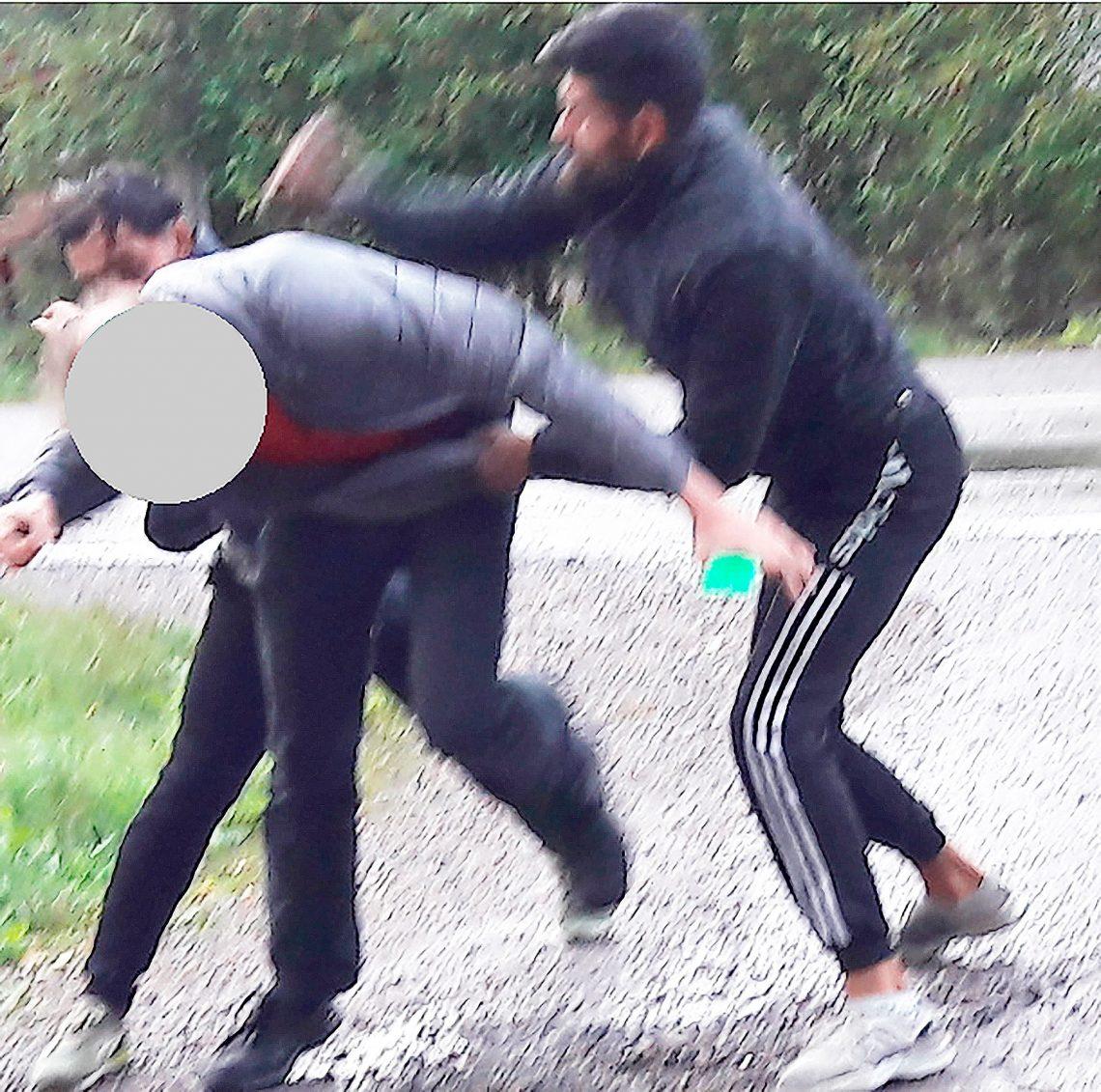 Asuntomurtajat mukiloivat omistajan. Uhrin pää on peitetty kuvassa.