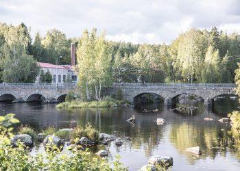 Siuron koski ja sata metriä pitkä silta. Kuva on puolentoista vuoden takaa.