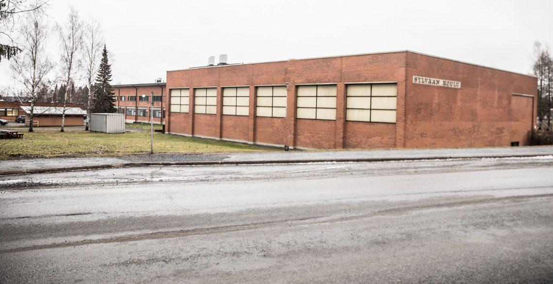 Sylvään koulu on surkeassa kunnossa huolimatta tehdyistä korjauksista, joiden ansiosta korjausvelkaa ei laskennallisesti ole.