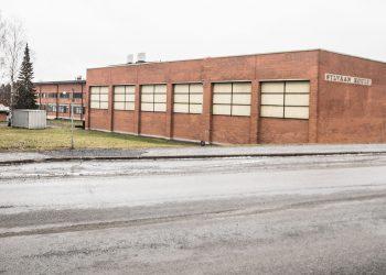 Sylvään koulu on perin surkeassa kunnossa huolimatta korjauksista, joiden ansiosta korjausvelkaa ei laskennallisesti ole.