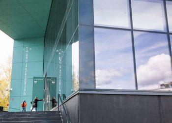 Kansanedustajia houkuteltiin Nokialle muun muassa mahdollisuudella päästä tutustumaan kirjasto- ja kulttuuritalo Virtaan.
