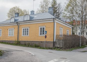 Kuva Korkeemäenkadun ja Kyyninkadun kulmalta runsas vuosi sitten.