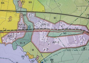 Tupurlanjärven pohjoispuolelle osoitetaan 68 hehtaarin laajuista pientaloaluetta. Karpalistonjoki jakaa asuinalueet kahteen osaan.