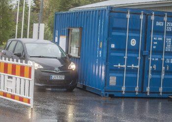 Sastamalassa voi äänestää suoraan autostakin Nuutilankadulla K-marketin piha-alueella.